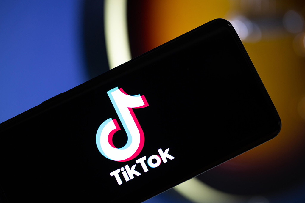 How To Become Popular On TikTok